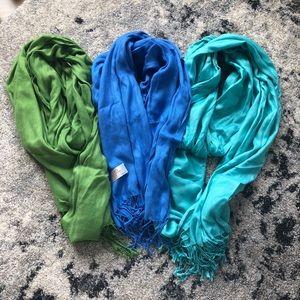 Accessories - 3 pashmina scarves